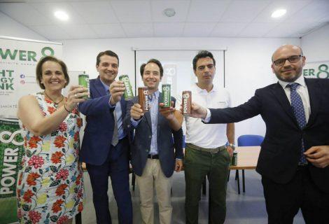 Presentan la primera bebida energética fabricada en Andalucía, con la mitad de calorías que sus competidores