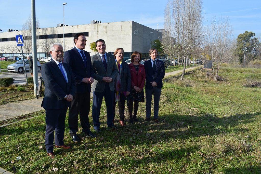 El Imdeec, la Universidad de Córdoba y Fibico presentan el proyecto de la incubadora CórdobaBiotech en Rabanales 21