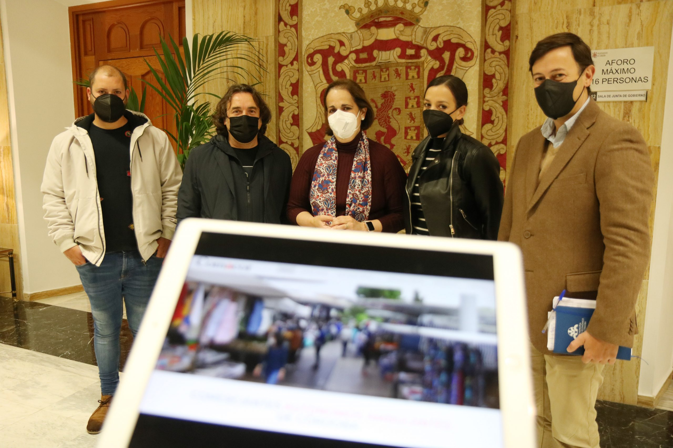 Los comercios ambulantes de Córdoba lanzan un escaparate virtual y preparan un 'marketplace'